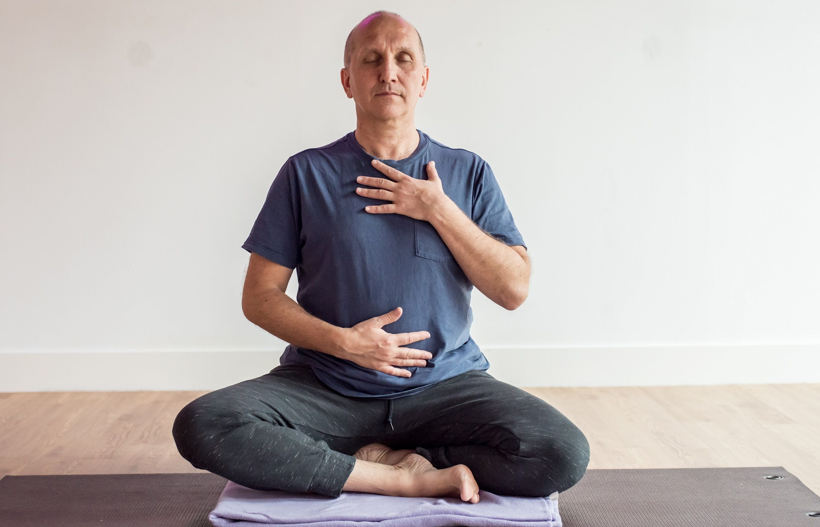 Laurent-Yoga-breathwork-for-stress
